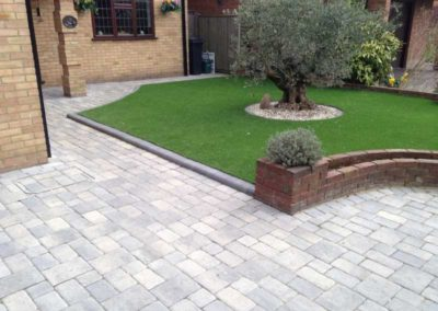 GALLERY IMAGE 10 BLOCK PAVING